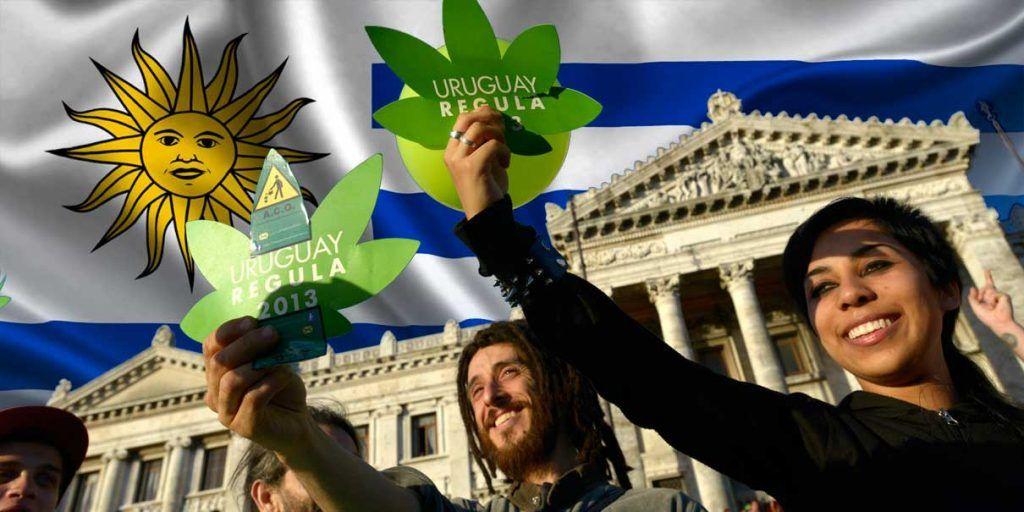 Activistas pro legalización de la marihuana en Uruguay.